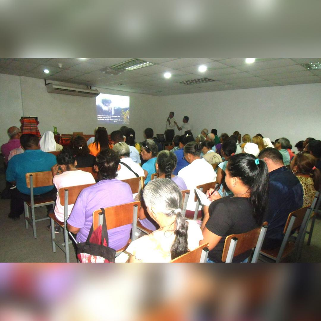 """Mons. Jonny Reyes en Asamblea Vicarial Extraordinaria: """"La Iglesia la conformamos todos"""""""