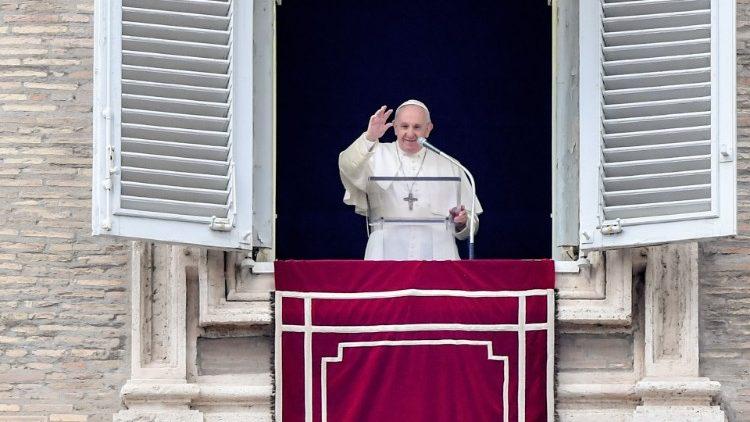 Papa Francisco: Quien hace la guerra no sabe dominar las propias pasiones