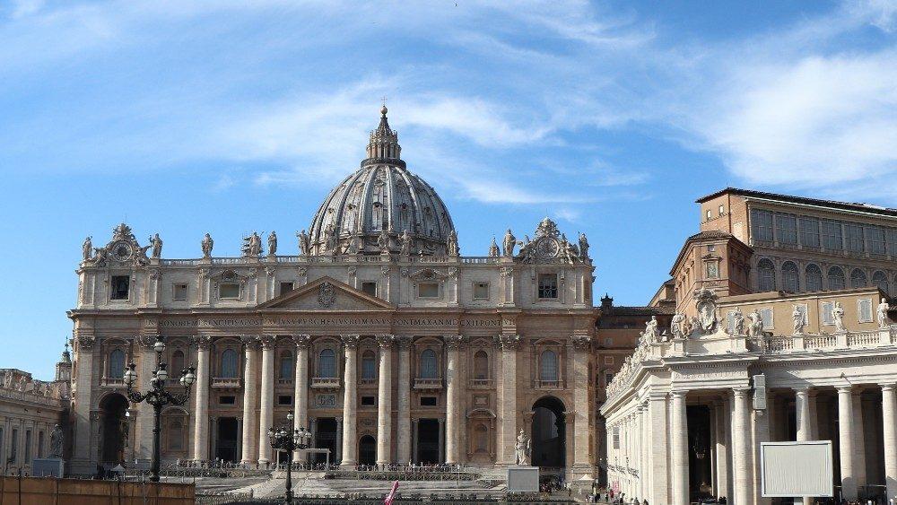Papa Francisco elige seis mujeres como expertas laicas del Consejo de Economía