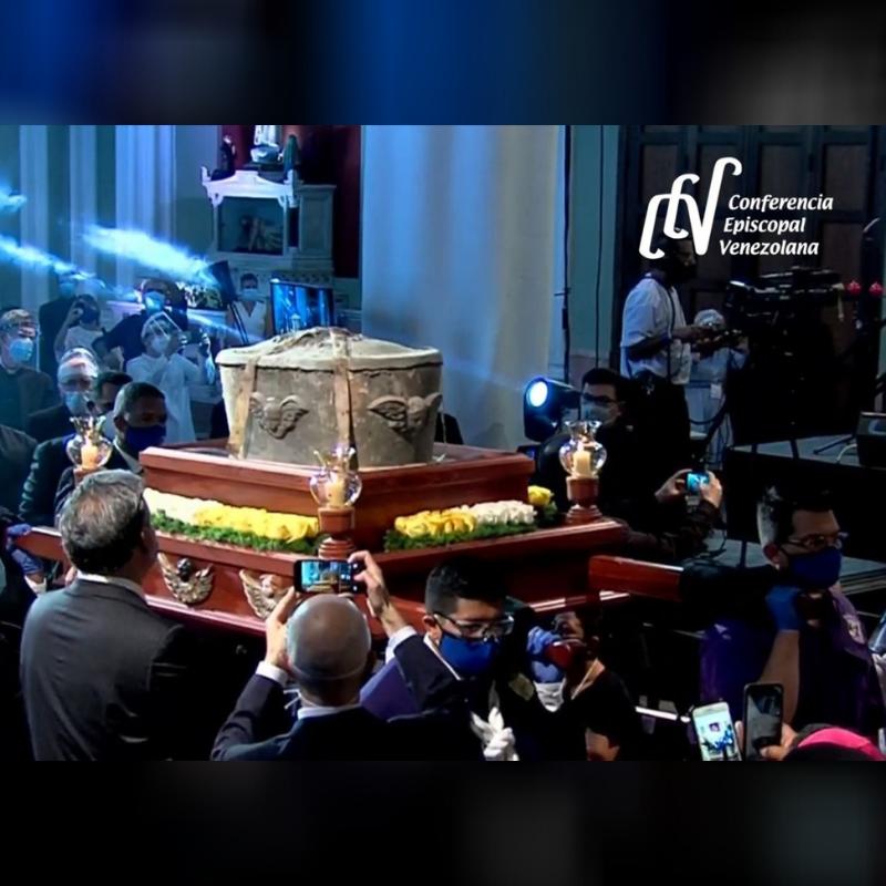 Realizada la Ceremonia de Exhumación de los restos del Dr. José Gregorio Hernández en el día del 156° aniversario de su nacimiento