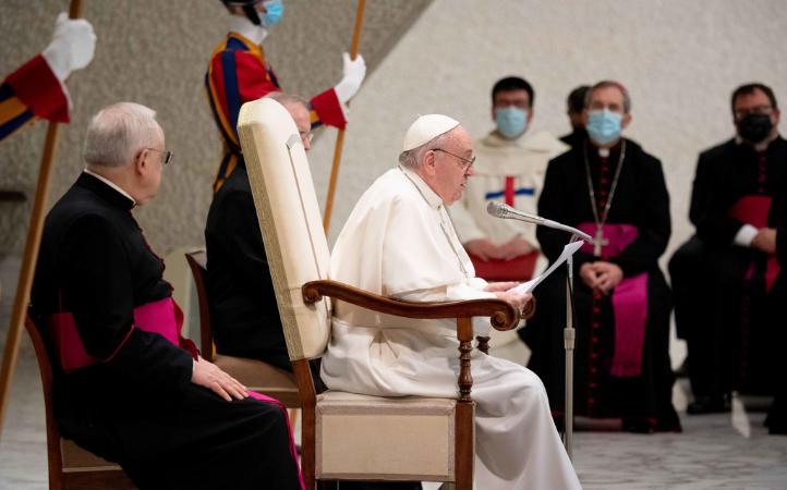 """Catequesis del Papa Francisco: No al ateísmo cotidiano """"amo a Dios pero no a mi hermano"""""""