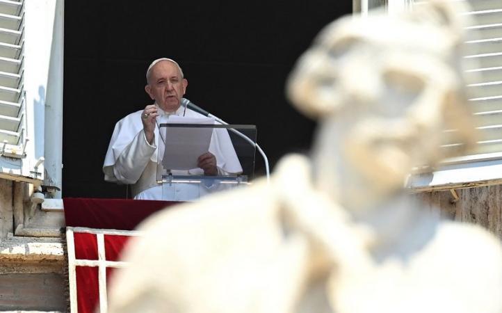 Papa Francisco en el Ángelus: Jesús enseña a huir de la hipocresía y ser ciudadanos honestos