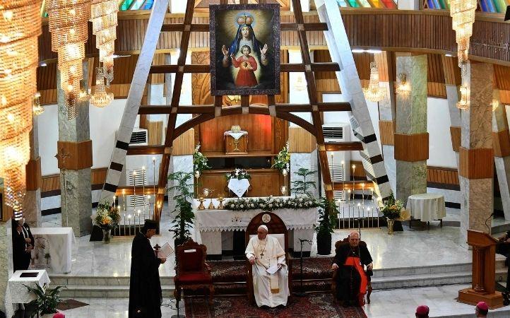 """Papa Francisco al clero en Irak: """"La religión debe servir a la causa de la paz y la unidad"""""""
