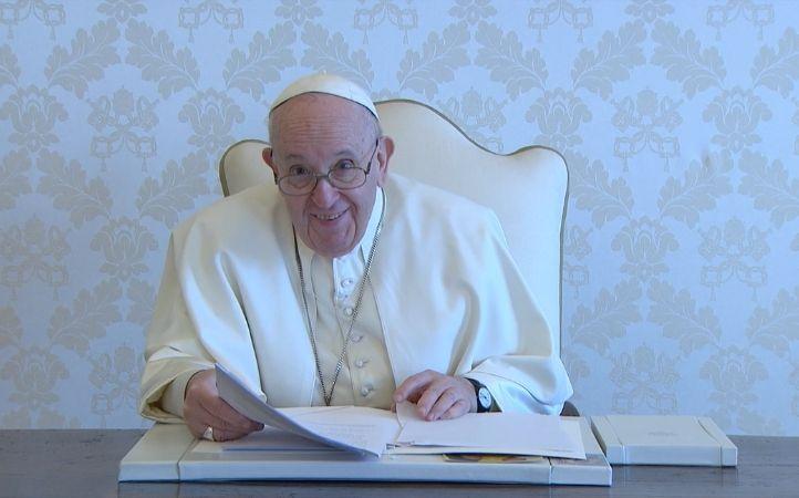 """Papa Francisco: la santidad no es para """"especialistas de lo divino"""""""