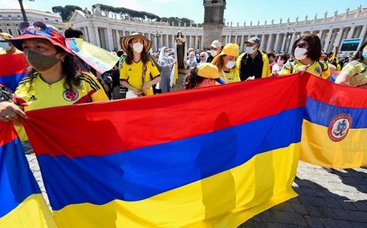 Papa Francisco reza por Colombia tras los episodios de violencia