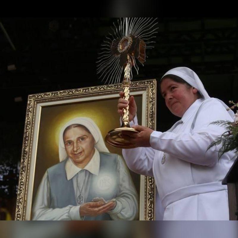 Hoy recordamos el 3er Aniversario de la Beatificación de Carmen Rendiles