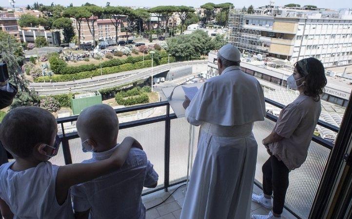 Papa Francisco a la Universidad Católica: «El cuidado es una expresión del corazón»