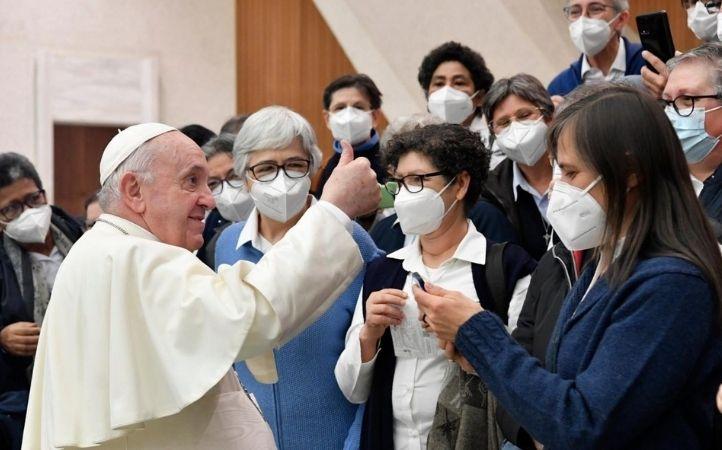 Papa Francisco: arraigados en nuestras raíces y abiertos al universalismo de la fe