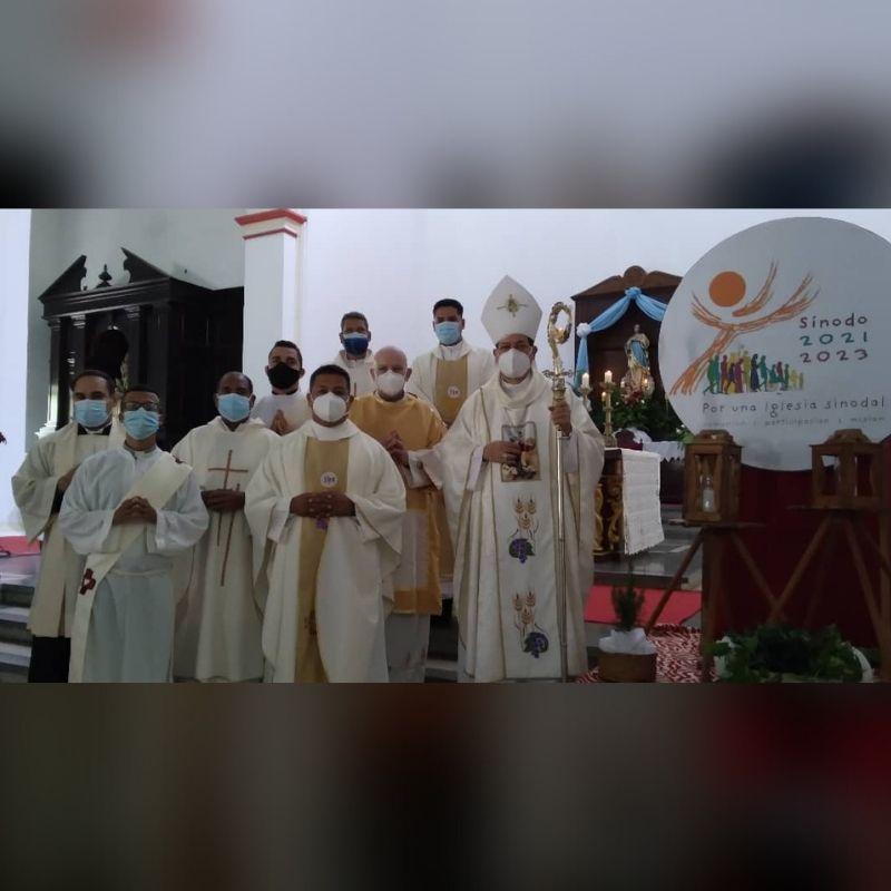 Mons. Polito Rodríguez durante la apertura del Sínodo en la Diócesis de San Carlos: Caminar juntos significa escuchar con discernimiento al otro